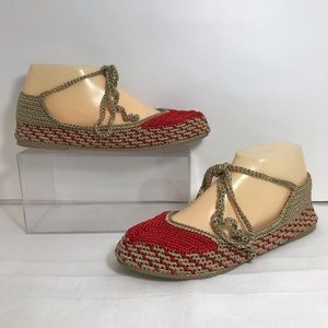 Anthropologie Painted Bird Lace Up Crochet Flats 8